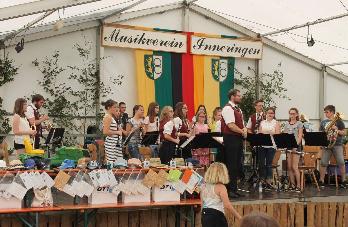Die neue Jugendkapelle spielt in Inneringen.  Foto: Gabriele Loges